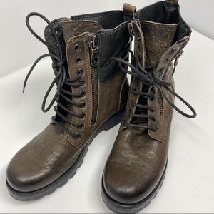 Juice Italian leather combat boots, black & brn, 9